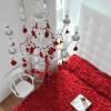 Kırmızı yatak örtüsü modeli